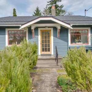 Darling Portsmouth Bungalow