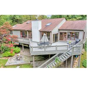 Luxury Living, in a Tree House-Like Setting! West Chester Schools!