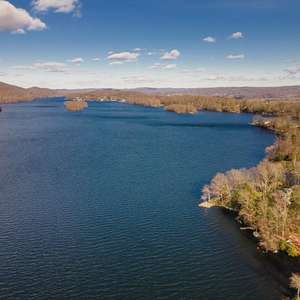 Estate Setting - Candlewood Lake Waterfront