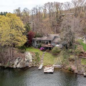 130' of Direct Level Waterfront on CANDLEWOOD LAKE