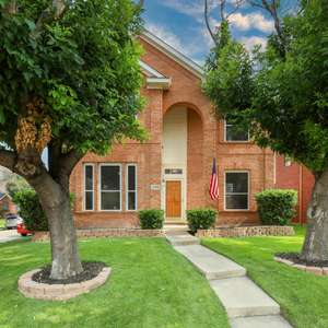 IMPECCABLY MAINTAINED 4 BEDROOM 2.5 BATHROOM HOME ON A CORNER LOT ON A CUL-DE-SAC STREET IN THE COVETED LEGENDS COMMUNITY