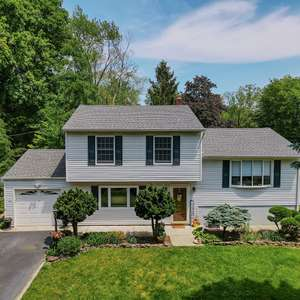 4BR Home in Desirable