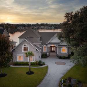 Lakefront Home in Mount Pleasant