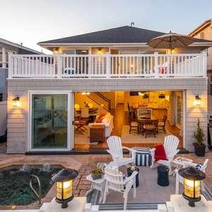 Spectacular Seaside Dream Home