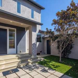 Stunning Modern Home Lives Like Brand New Construction