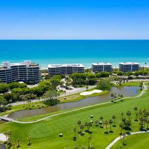 Discover Your Beachfront Sanctuary!
