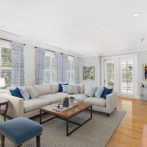 Great Downtown Charleston Luxury Condominium