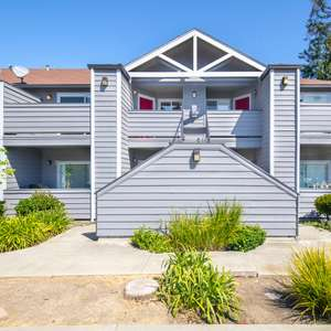Gorgeous Updated & Gated Condo in Cherryland Area of Hayward