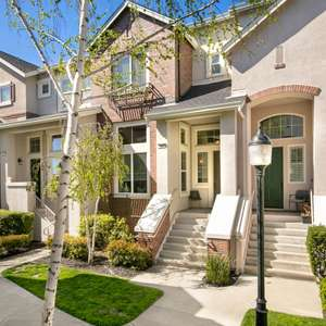 WALK TO DOWNTOWN LIVERMORE!!!