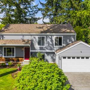 Beautifully updated home in Finn Hill!