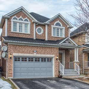 Beautiful Northwest Ajax Family Home