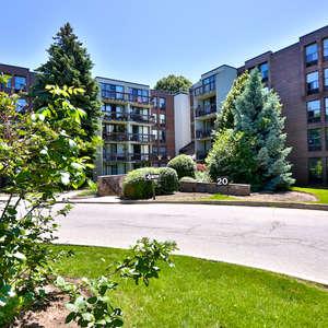 Beautiful, Ground Floor Corner Unit Apartment in Prestigious Willowdale!