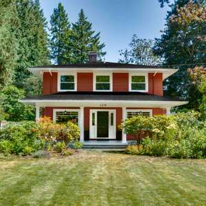 "Stunning Hidden ""Old-Portland"" Gem On 1.48 Acres."