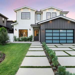 Lux newly constructed, striking modern farmhouse!!