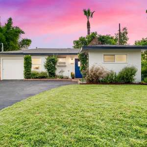 Gorgeous Newly Remodeled Mid-Century Modern Hamptons Style Bungalow Pool Home in highly sought after Valley Glen!!