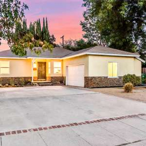 Gorgeous Mid-Century Remodeled 3bed/2ba Home!!
