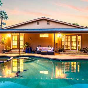 Stunning Mid-Century Modern California Bungalow Pool & Spa Home in Valley Glen