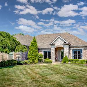 Elegant Home in Far Oaks Golf Course with Backyard Oasis