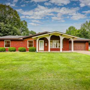 Brick Ranch with Finished Lower Level in Canterbury Manor