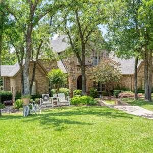 Extraordinary Living in Southlake Texas!