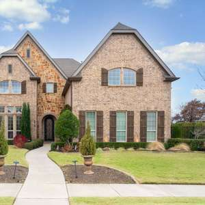 Extraordinary Living in Colleyville Texas!