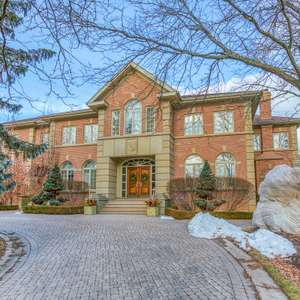 Immaculate Estate with Indoor Swimming Pool