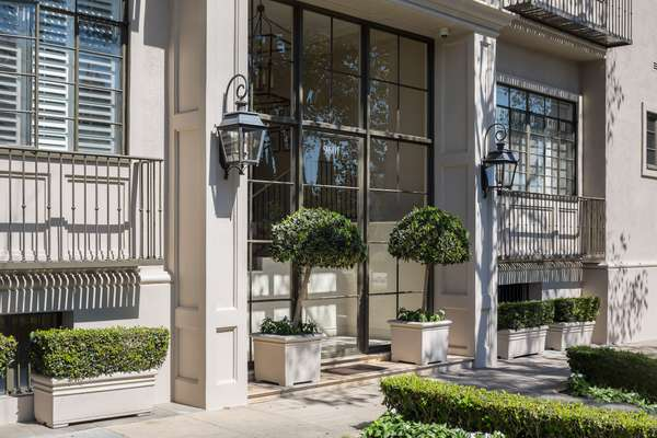 Luxury Living in the Heart of Beverly Hills