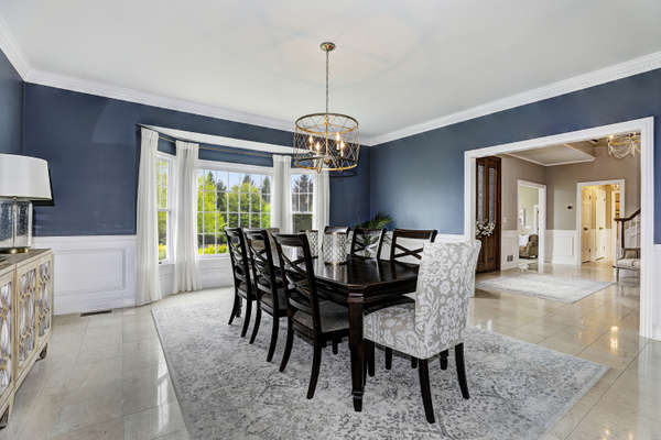FORMAL DINING ROOM OPEN TO ENTRY FOYER