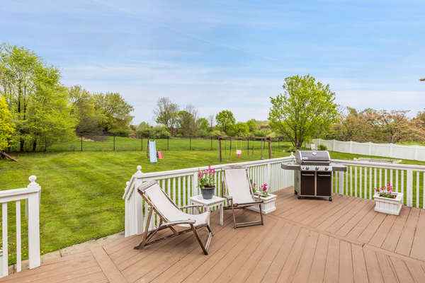 SERENE AND PEACEFUL BACKYARD. COMPLETELY FENCED-IN