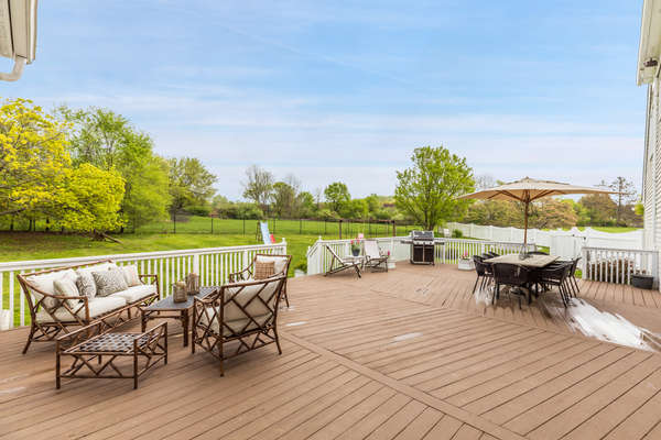 EXPANSIVE DECK IS PERFECT FOR ENTERTAINING