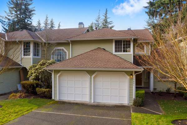 Don't miss this sweet home in highly sought after Fox Borough!