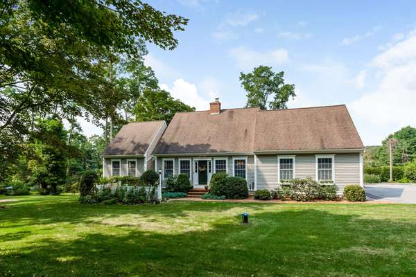 TRULY SPECIAL EXPANDED CAPE IN HISTORIC MIDDLE HADDAM - OVER $115,000 IN UPDATES!