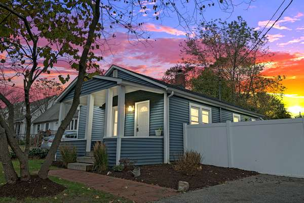 Perfect Family Starter Home in the Great Town Of Patchogue