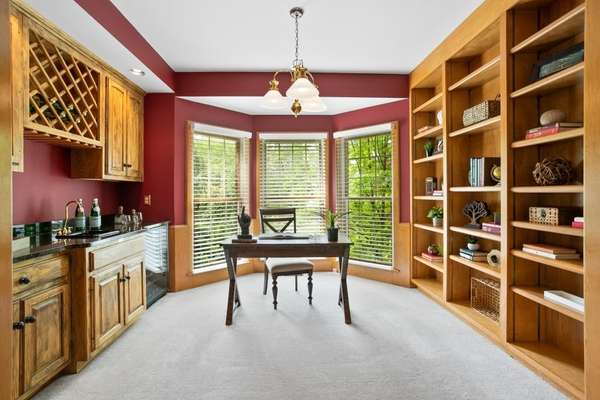 Alcove with Wet Bar