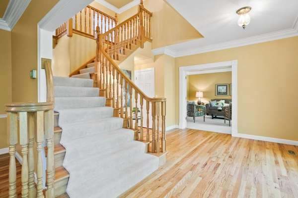 T-Shaped Staircase