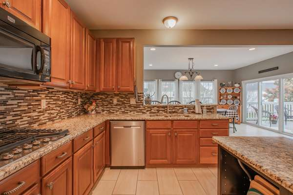 42 Inch Cabinetry with Under Cabinet Lighting