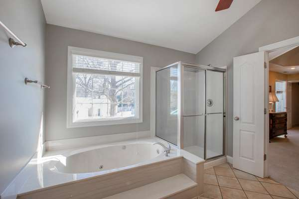 Garden Window and Jetted Tub