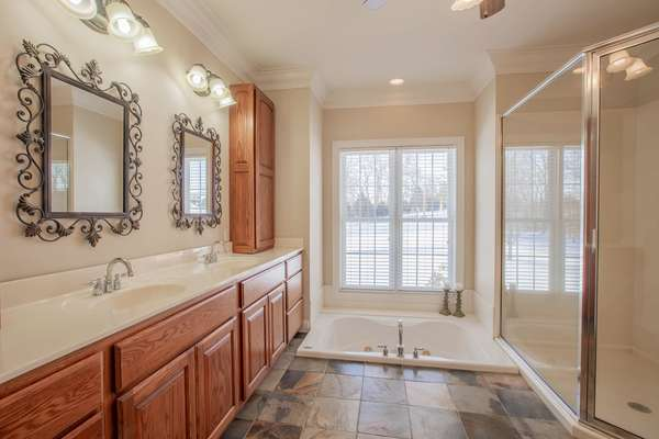 Luxury Master Bath with Jetted Tub