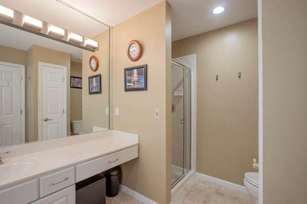 Tub & Separate Shower