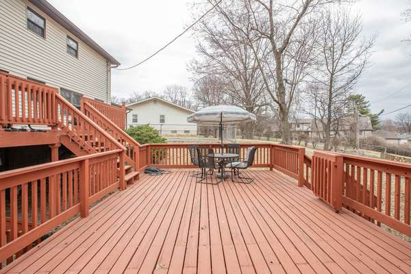 Perfect Home for Entertaining Family & Friends!