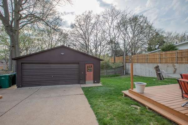 2+ Car Insulated Garage with AC - a DIYer's Dream!