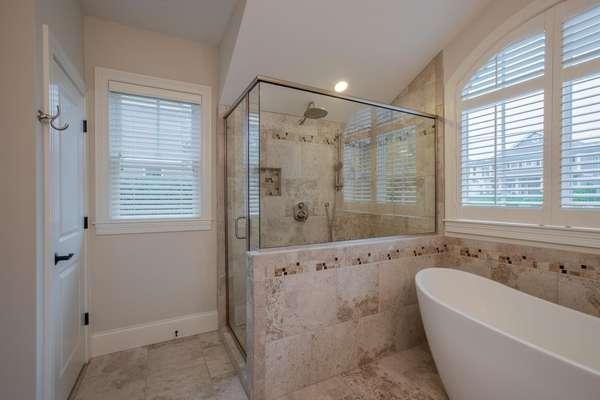 Luxurious Spa-Like Bathroom