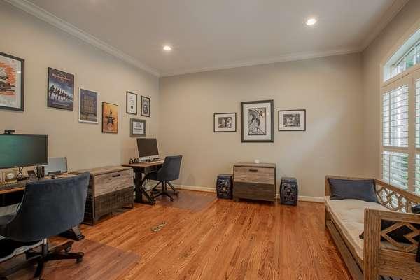Living Room / Study / Den