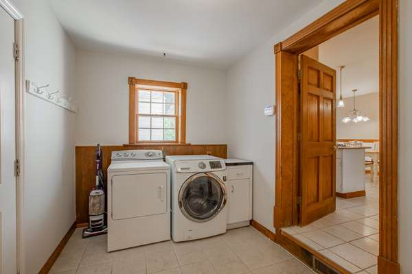 Main Floor Laundry/Mudroom