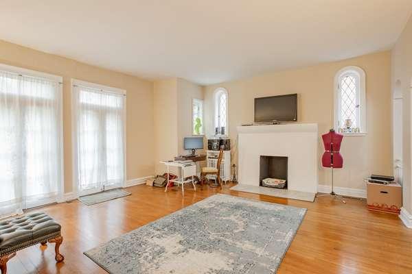 Living Room of Unit 1E