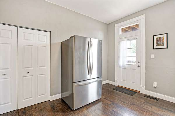 Pantry, Stainless Appliances