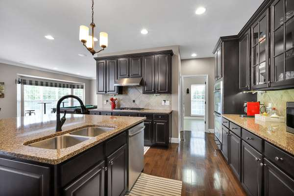 42 Inch Cabinetry with Crown Molding