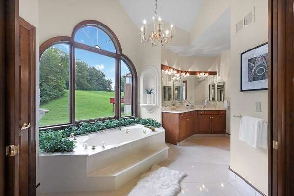 Jetted Tub and Separate Shower