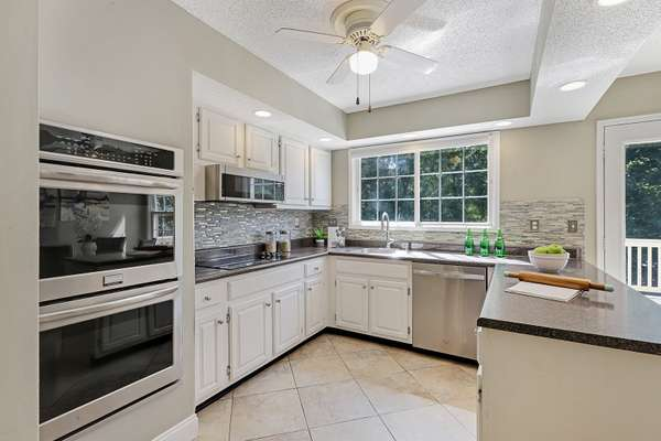 New Cooktop (Sept 2021) and Stainless Steel Appliances