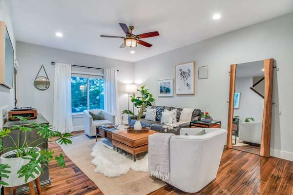 Chic & Contemporary Living Steps from Lower Greenville's Finest